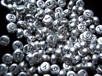 500pcs  7mm flat round silver acrylic alphabets / letters beads