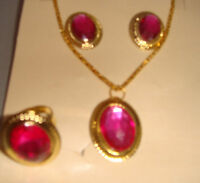 Lovely Gold Necklace, Earring & Ring Set In Pink