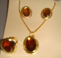 Lovely Gold Necklace, Earring & Ring Set In Brown