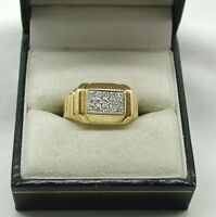 Vintage Superb Quality Heavy  Solid 18ct Gold And Fifteen Stone Diamond Ring