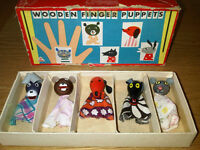 Vintage Wooden Retro Finger Puppets x 5 - Boxed