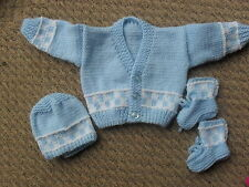 3 PCE HAND KNITTED SET -  BLUE/WHITE -  BOY  0-3 MTHS