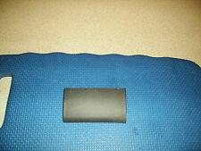 Vw passat 97-05 gauche jack point cover. from a 01 voiture