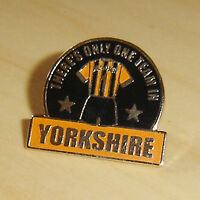 THERE'S ONLY ONE TEAM IN YORKSHIRE - HULL - FOOTBALL PIN BADGE