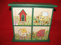PAINTED WOOD GREEN RED BIRDHOUSE DESIGN 4 DRAWERS CHEST JEWELRY TRINKET BOX