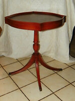 Mahogany Lamp Table Parlor Table End Table (T255)