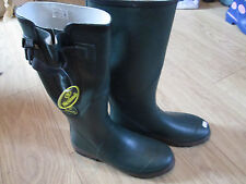 UNISEX WETLAND GREEN RUBBER WELLINGTON BOOTS. NEW. VARIOUS SIZES. REDUCED