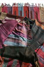 Plain middle shawl throw with coloured paisley tear drop motifs at the border