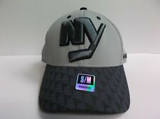 New York Islanders Reebok NHL Two Tone Structured Flex Stretch Fit Fitted Hat