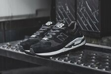 Evan Longoria x New Balance 530 Black Sheep