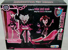 "MONSTER HIGH Collection_POWDER ROOM with Exclusive DRACULAURA 9 "" Doll_NEW & MIB"