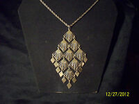 Vintage Gold Tone 4 1/2 by 2 1/2 Inch Dangle Pendant 18 Inch Rope Chain Necklace