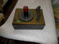 RCA Victor Vintage Record Player 45 RPM Spins Phonograph Turntable Model 45-J-2