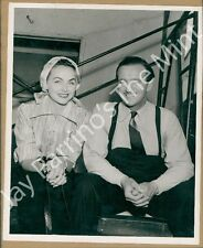 CZ611 Photo DAVID NIVEN and Wife on Movie Set of A Kiss for Corliss 1949