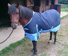 NEW Essential Medium Weight 200gsm Horse or Pony Turnout Rug 4ft0in to 7ft0in