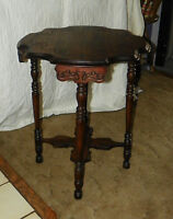 Solid Mahogany Carved Scalloped Lamp Table Parlor Table  (T339)