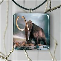 """MAMMOTH 1,3/8"""" GLASS PENDANT NECKLACE"""