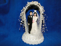 NEW ARCHWAY WEDDING BRIDE & GROOM WITH BLACK SUIT WEDDING CAKETOPPER