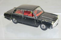 DINKY TOYS  MODEL  No.133 FORD CORTINA SALOON