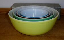 Vintage Pyrex Set of 4 Nested Mixing Bowls   Yellow, Brown, Blue & Green