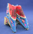 Antiques China's rare  Manual embroidery shoes