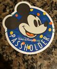 Walt Disney World 2017 Annual Passholder Christmas Magnet Limited Edition