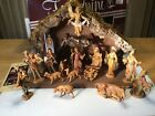 Vintage Fontanini Nativity 54565 Stable and 15 Figures 1983 Excellent Condition