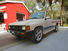 1988 Toyota Hilux DLX Standard for $3700 dollars