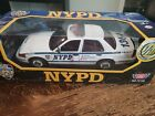 MOTORMAX NYPD Police Ford Crown Victoria 1 18 Diecast Patrol Car DAMAGED BOX