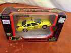1996 Road Champs Diecast & Plastic - New York City Taxi Cab - 1:43 Toy Car
