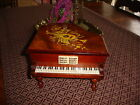 Vintage Grand Piano Jewelry Music Box Working Japan LINDEN/TOYO Beautiful Wood