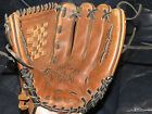 p1 Easton Black Magic BMX12 Baseball & Softball Mitt Glove Leather RHT