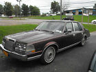 1985 Lincoln Continental Base Sedan below $2200 dollars