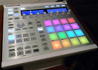 NATIVE INSTRUMENTS MASCHINE MK2 WHITE (BLANC)