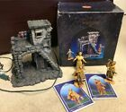 5 Fontanini Lighted Inn with 3 Figurines and 2 Story Cards