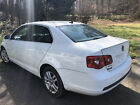 2006 Volkswagen Jetta  2006 below $2200 dollars