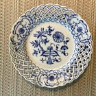 ''BLUE ONION'' -- by MEISSEN - PIERCED DESSERT / PIE PLATE  -- GERMANY -.....