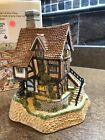 David Winter Cottages Lace Makers Cottage The Midlands Collection 1987
