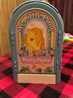 Vintage Hasbro 1983 G1 My Little Pony Pretty Parlor Stable Playset