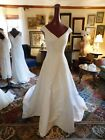 STUNNING CHRISTIAN MICHELE WHITE PLUNGING NECKLINE PEARL BEADED WEDDING GOWN 6