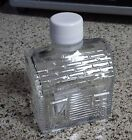 VINTAGE OLD CLEAR GLASS LOG CABIN SHAPED BOTTLE USED FOR SYRUP WHITE LID