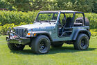 Jeep : Wrangler SE Sport Utility 2-Door 1997 jeep wrangler se fully customized no reserve
