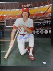 Mike Schmidt Cards, Rookie Cards and Autographed Memorabilia Guide 61