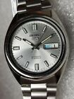SEIKO TIME CORP-7S26A-21J-AUTOMATIC MECHANICAL WRISTWATCH WITH DAY/DATE DISPLAY!