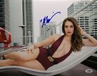 Alison Brie Signed 'Glow' 11x14 Photo *Ruth Wilder PSA AF81310