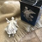 VTG 1985 Avon Nativity Collectibles The Flying Angel Porcelain Bisque Figurine