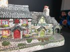 David Winter Cottages ~ Y Ddraig Goch ~ The Welsh Collection Coa Box Mint