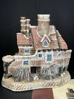 David Winter Cottages Eccentrics Collection Beachcomber's NIB Coa Perfect
