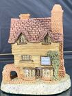 David Winter Cottages Wine Merchant 1980 Center Of The Village Early Piece Mint