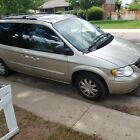 2005 Chrysler Town & Country for $1000 dollars